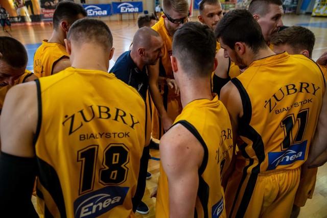 Koszykarze Żubrów Białystok w stolicy zaliczyli dużą wpadkę