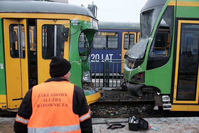 MPK Poznań: Zderzenie dwóch tramwajów. Są ranni! Motorniczy uwięziony w kabinie