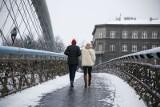 Kraków. Randka w zimowym Krakowie też może być romantyczna. Zobaczcie gdzie zakochani mogą wybrać się na spacer [ZDJĘCIA]