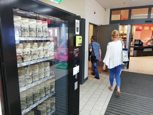Miejsc, w których można kupić legalne produkty konopne, jest  w Bydgoszczy kilka. Jeden z automatów mieści się w markecie na Wyżynach