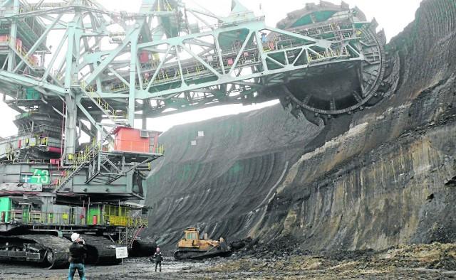 Złoczew czeka na kopalnię i górę pieniędzy z PGEPGE w ostatnim raporcie podała, że w 2014 r. samorządy w woj. łódzkim otrzymały z podatków od koncernu aż 199 mln zł - najwięcej w całym kraju