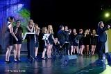 Stargardzcy wokaliści zaśpiewali razem z Mietkiem Szcześniakiem. Wokalne warsztaty i koncert w SCK [zdjęcia, wideo]