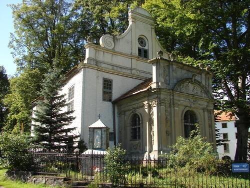 88. Krąg (gm. Polanów). Kaplica przy zamku