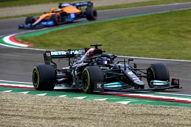 Konfrontacja z Verstappenem zatrzyma Hamiltona w Formule 1?