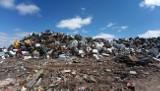 Parlamentarzyści interweniują w sprawie śmieci podrzuconych w Polanowicach i Bronisławiu