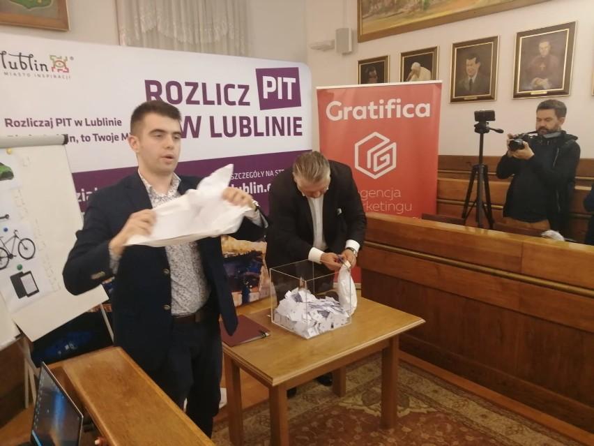 Zapłaciła PIT w Lublinie i wygrała toyotę yaris. Sprawdź, kto zgarnął główną nagrodę w loterii lubelskiego ratusza