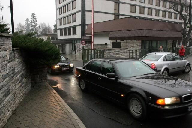 Internauci zbierają na nową limuzynę dla premier.