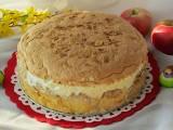 Ciasto z jabłkami. Jabłecznik z bezą i migdałami. Pyszne ciasto na niedzielę [PRZEPIS]