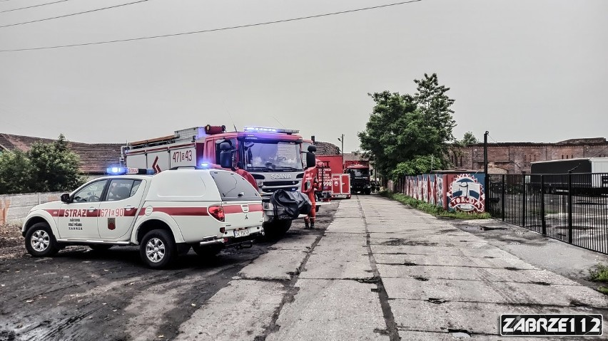 Katastrofa budowlana w Zabrzu. Trwa przeszukiwanie gruzowiska. W niedzielę, 21 czerwca, zawaliła się ściana w jednym z budynków gospodarczych
