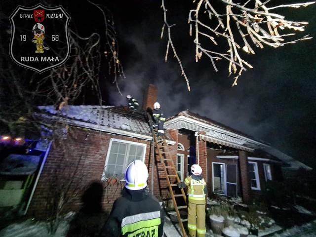 Pożar domu jednorodzinnego w miejscowości Młodocin Mniejszy w gminie Kowala.
