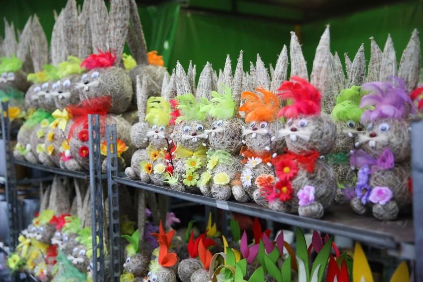 Wielkanoc jest świętem ruchomym, obchodzonym w pierwszą...