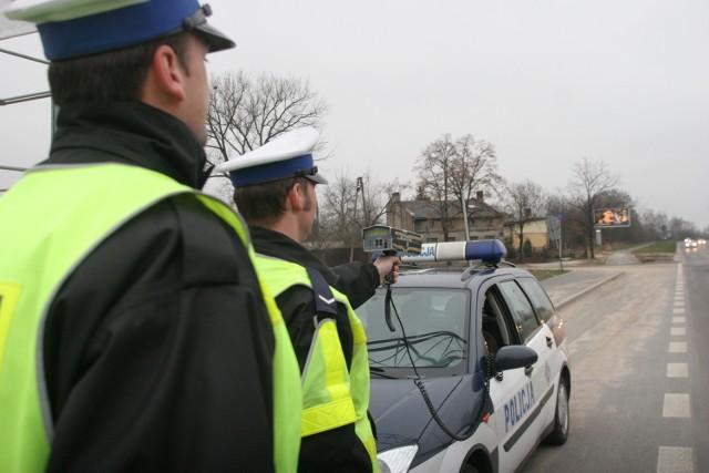 """Jeśli nowe przepisy wejdą w życie, policja błyskawicznie wykona """"plan mandatowy"""". Czy oznacza to również, że na drogach zrobi się bezpieczniej?"""