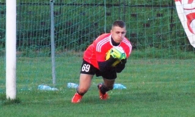 Krystian Kozieł był silnym punktem Iskry Klecza w derbach ziemi wadowickiej rozegranych w ramach grupy zachodniej IV ligi piłkarskiej.
