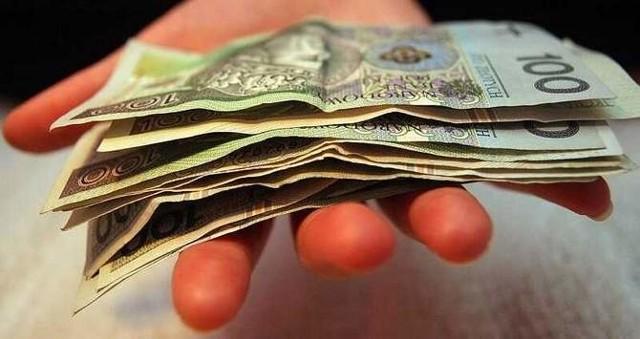 pieniądze - polski złotyWynajem mieszkania jest tańszy od zakupu lokalu. To jednak rozwiązanie dobre i opłacalne tylko na krótką metę.