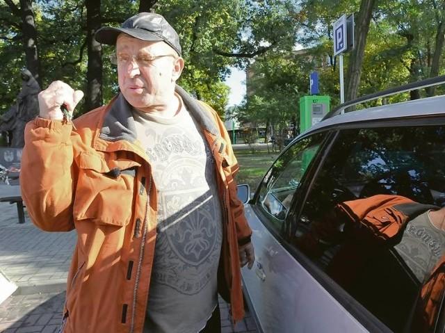 Bogdan Bąkiewicz nie ma kłopotów z parkowaniem