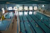 Ul. Stroma 1A. Pływalnia rodzinna zaprasza na bezpłatny konkurs pływacki