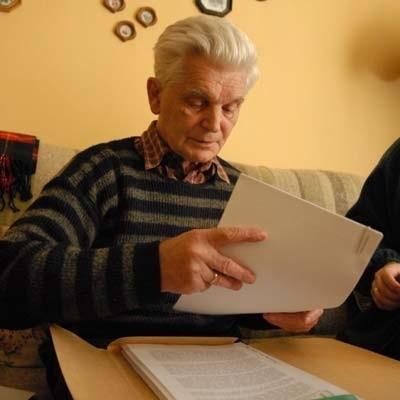 Marian Śmiałek kończy książkę, która będzie jego własną opowieścią o dziejach wsi Siedlec, z naciskiem na lata od pierwszej wojny do przemian ustrojowych w 1989 r.