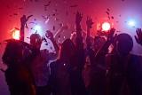 Trójmiejska Integracja Studencka już 10.10.2019. Jeden karnet do ośmiu klubów i pubów w Gdańsku. Poznaj innych żaków i tańcz do rana!