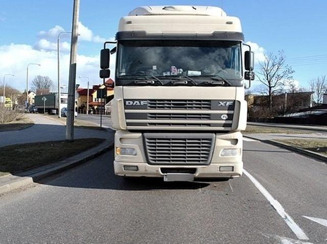 Kierowca ciężarówki potrącił kobietę