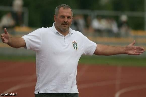 Krzysztof Łętocha wprowadził Okocimskiego Brzesko do I ligi. Teraz będzie trenerem Stali Rzeszów.