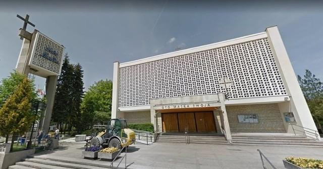Do śmiertelnego pobicia starszego mężczyzny doszło niedaleko kościoła na Smochowicach w Poznaniu. Mimo że zatrzymany mężczyzna usłyszał zarzut zabójstwa i przyznał się do winy, to śledztwo prawdopodobnie zostanie umorzone