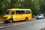 Zderzenie ciężarówki z autobusem pod Brodnicą. Dwie osoby trafiły do szpitala