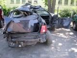 Konarzyce: Wypadek. Audi uderzyło w słupy. Pasażer ciężko ranny