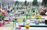 Rezerwują miejsca przed cmentarzami . Są jeszcze wolne miejsca