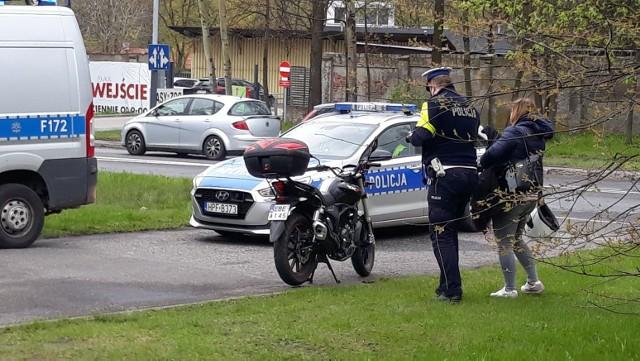 Przed południem doszło do wypadku z udziałem szambiarki i motocykla