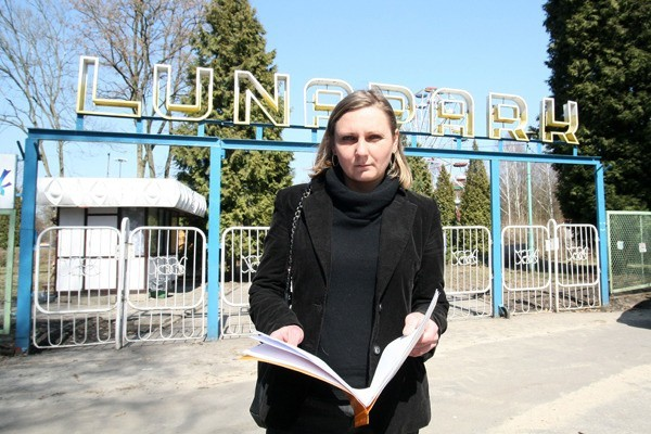 Monika Niewinowska twierdzi, że obecny zarząd Fundacji Lunapark uniemożliwia jej wywiezienie należących do niej urządzeń.