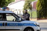 Morderstwo 16-latki pod Łowiczem. We wsi Dzierzgów chłopak zabił dziewczynę przed domem. Nożownik nie przyznaje się do zbrodni