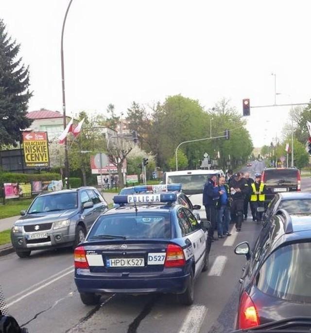 W Kraśniku zderzyły się trzy policyjne radiowozy. Funkcjonariusz dostanie mandat?