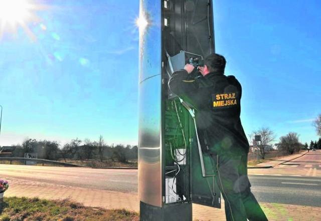 Słup fotoradaru przy ulicy Pilskiej zniknął kilka lat temu, gdy strażnicy stracili uprawnienia do kontroli prędkości