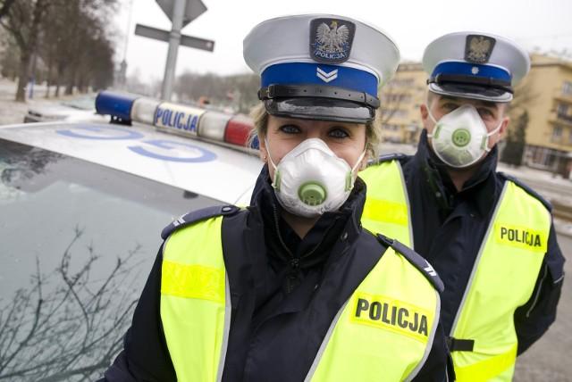 Akcja SMOG 2020. Policja prowadzi wzmożone kontrole na drogach w całym kraju. Służby sprawdzą, czy pojazd nie przekracza norm emisji spalin