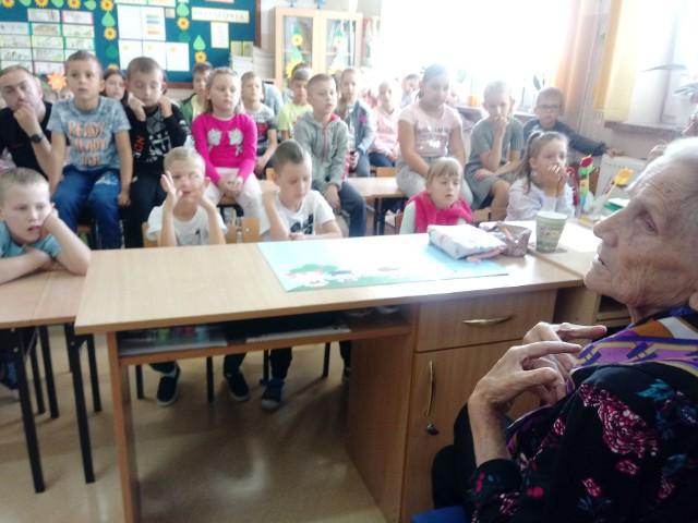 Zalas. Teresa Pieloch gościem uczniów SP, 09.09.2019