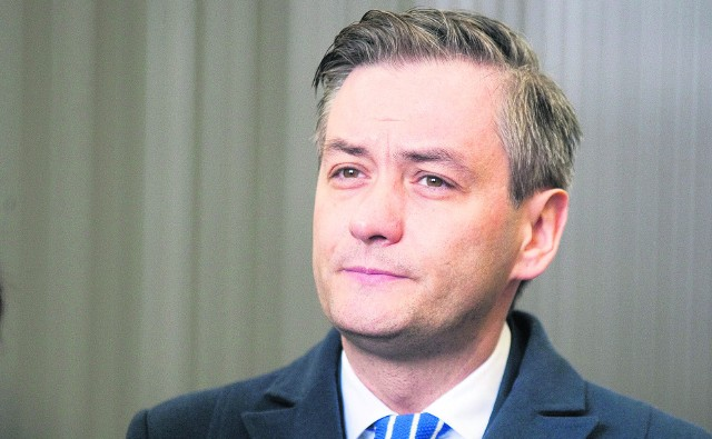 Prezydent dał wysokie nagrody urzędnikom. Robert Biedroń naśmiewa się z nagród dla ministrów PiS, a sam nagradza swoich współpracowników.