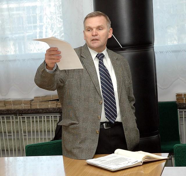 - Zwalniamy pracowników z ważnych powodów ekonomicznych - mówił prezes Marek Leśniak  powołując się na wcześniejsze negocjacje ze związkami.