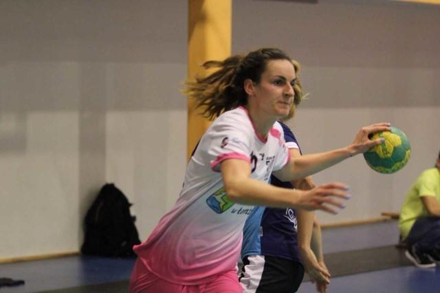Alicja Sobocińska w swoim debiucie na pozycji skrzydłowej rzuciła 6. bramek.