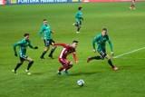 Legia - Piast 1:2. Waldemar Fornalik ma patent na Legię. Gol Thiago Alvesa na wagę awansu