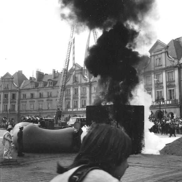 Rok 1972. Pokazy strażackie na Podzamczu z okazji 100 rocznicy powstania lubelskiej straży.