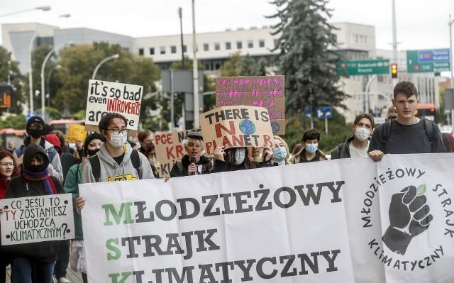 Młodzieżowy Strajk Klimatyczny przeszedł ulicami Rzeszowa.