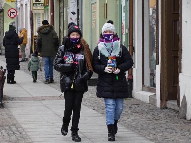 W Chełmnie kwestują wolontariusze. Ulicami miasta przejechała parada pojazdów parada pojazdów militarnych, terenowych, zabytkowych i motocykli. Do Jeziora Starogrodzkiego wskoczyły morsy.