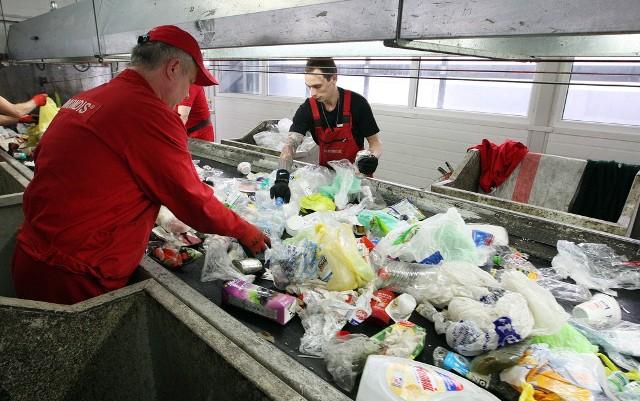 W nowym zakładzie przy ul. J. Smoleńskiej trzy czwarte odpadów poddawanych jest recyklingowi, tylko jedna trzecia trafia na składowiska