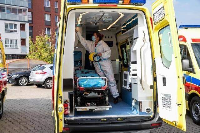 Mimo braków kadrowych zespoły ratownictwa wyjeżdżały do pacjentów przez cały weekend
