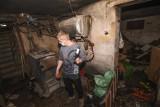 Sześcioosobowa rodzina z Grębocina ucierpiała w pożarze. Dziś żyją w tragicznych warunkach! [zdjęcia]