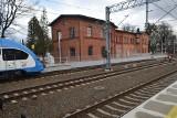 Żory: Co dalej z dworcem kolejowym w Żorach? Miasto szuka nowego wykonawcy pechowej inwestycji