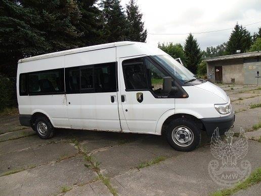 Samochód FORD FDGY TRANSIT KOMBI 300L 2,0Ilość:1NR fabryczny:WF0PXXTTFP5E57561Rok produkcji:2005Cena:5 000