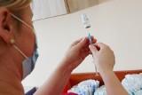 Program bezpłatnych szczepień przeciwko grypie rusza w Kielcach od września 2021 roku. Darmowa szczepionka dla osób powyżej 55 roku życia