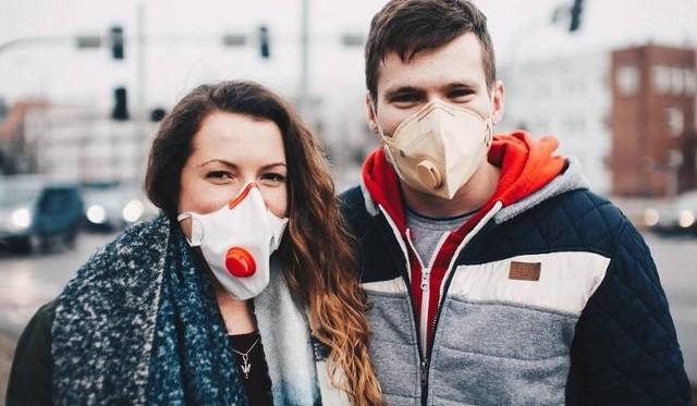 Maseczki są przydatne nie tylko w czasie epidemii, ale także wtedy, gdy normy zanieczyszczonego powietrza są mocno przekroczone. Tak było w miniony weekend w Toruniu