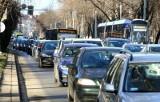 Uwaga, w czwartek zakaz parkowania na ul. Powstańców Śląskich we Wrocławiu